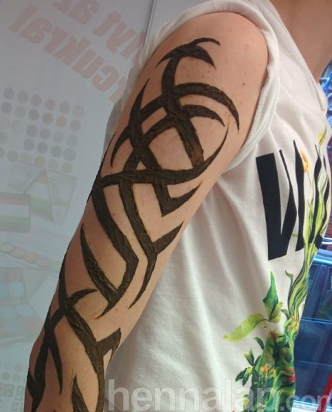 Tetoválás előtt próba henna