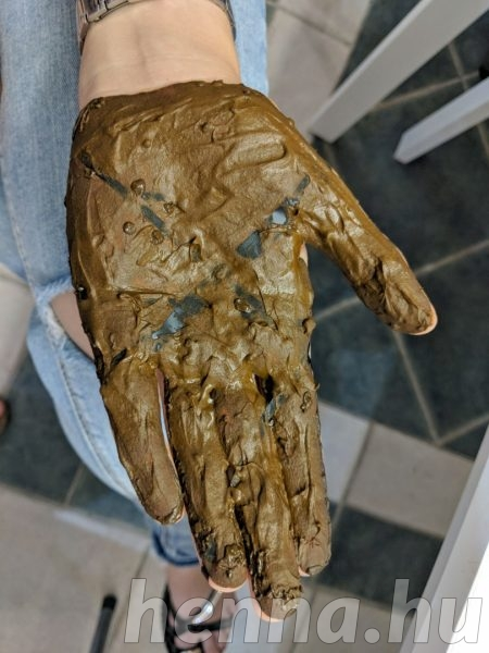 Tenyér henna - hennapaszta a fóliacsíkokon